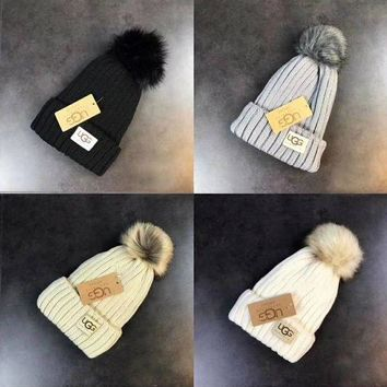 DCCK8H2 UGG Knit Hat Cap Winter Pom Pom Beanie Hat with Warm Fleece Lined