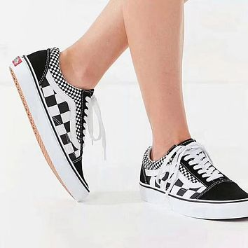Vans/Old Skool Black-and-white checkerboard rope soled shoes