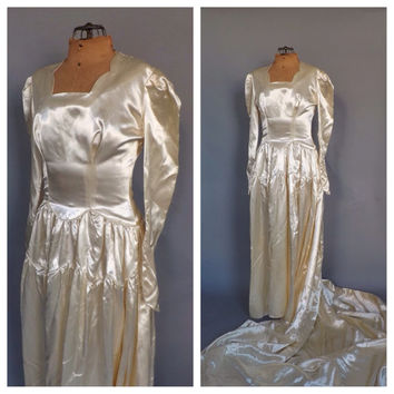 Vintage 1940s Ivory Satin Wedding Gown 30s Fitted Long Sleeve Pearl Heart Beaded Dress 40s Art Deco Size Large Antique Winter Wedding Dress