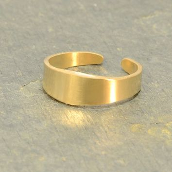 14k Solid Yellow Gold Toe Ring Handcrafted with Artisan Tapered Design