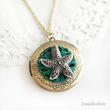 Starfish Locket Necklace, Round Photo Locket, Bridesmaid Gift, Seaside Wedding Jewelry, Personalised Locket, Graduation Gift, Ocean Theme