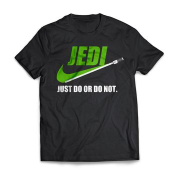 Jedi just do or do not - awesome star parody Men's t-shirt