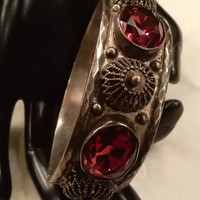 Beautiful Chunky Vintage Oval Red Faceted Glass and Filigree Accent Hinged Bracelet