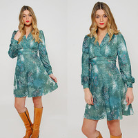 Vintage 70s Mini Dress Green FLORAL Psychedelic Print Dress Long Sleeve Hippie Dress