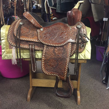 "15.5"" Circle Y Fox Trotter Saddle"