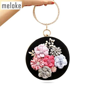 Meloke  2018 women bag hot hand evening bags new Appliques pattern flowers wedding dinner bags 3d flowers round shaped clutch