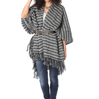 Q2 Pattern Knit Cape With Fringed Edges