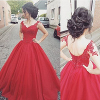 New Arrival 2017 Tulle Red Prom Dresses Long Party Dresses Ball Gown Prom Dress V-Neck Dress for Graduation Hot Queen