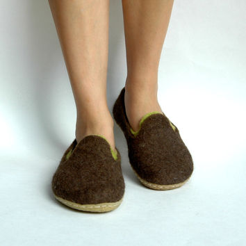 Hand felted women brown shoes, loafers