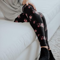 SA Exclusive Midnight Floral Leggings
