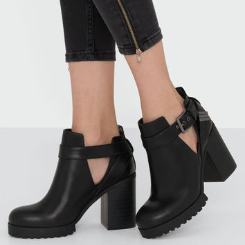 OPENWORK HIGH HEEL ANKLE BOOTS - WOMEN'S SHOES - WOMAN - PULL&BEAR United Arab Emirates