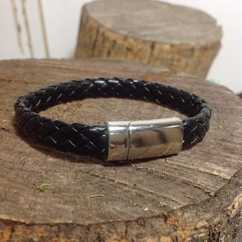 Men's leather bracelet.mens bracelet leather.leather bracelet mens.men jewelry,mens bracelet,leather bracelet,mens cuff,mens gifts,men cuff