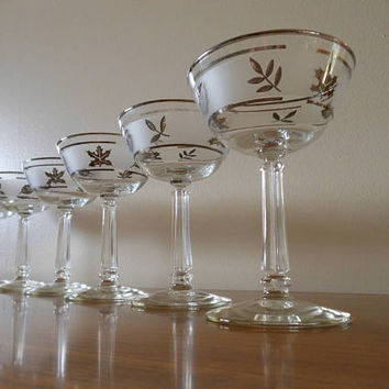 6 Libbey Silver Leaf Champagne Glasses, Libbey Tall Silver Foliage Sherbet Glasses, Tall Silver Leaf Champagnes, Mid Century Sherbets