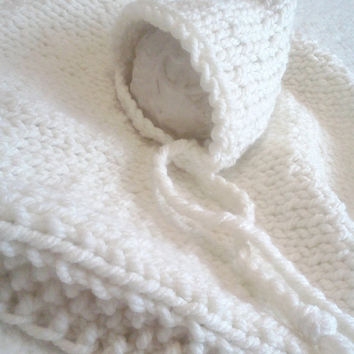 Newborn photo prop white set, Hand knit Blanket, Knitted bonnet, Chunky knit, baby boy, baby girl, etsy kids