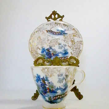 Devonia Bone China Tea Cup and Saucer, Made in England