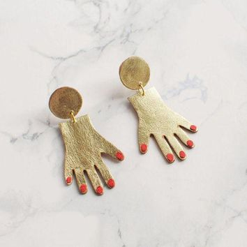 ONETOW Tiny Goldtone Hands Dangle Earrings Day-First?