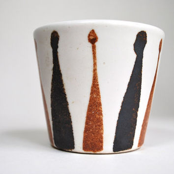 Mid Century Modernist Pottery Cup by Frank Mann Vermont