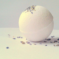 Lavender Bath Bomb, All Natural Bath Bomb, Aromatherapy, Bath Fizzy, Bath Bomb 5.5oz