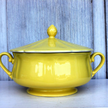vintage 1960s ironstone covered casserole tureen // 'buttercup' pattern // federalist japan