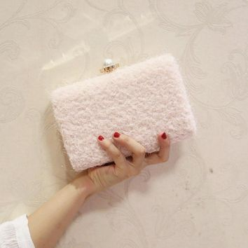 Fashion Design Lace Wool Decoration Clutch Bag 2017 Women Big Pearl Evening Bag Party Wedding Hand Bag With Chain Purses Wallet