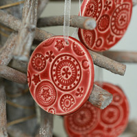 Red Ceramic Christmas Ornaments Lace Ceramic  Winter Home Decoration Gift Set of 3