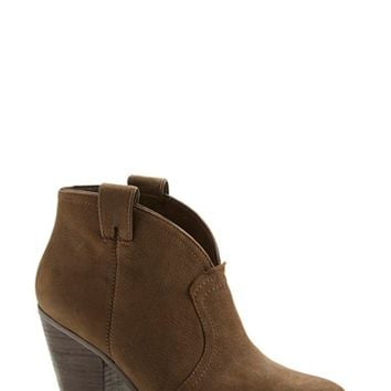 Women's Vince Camuto 'Hillsy' Almond Toe Ankle Bootie,