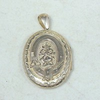 Vintage Locket Pendant Large Oval Goldtone Ornate Flowers 42mm x 33mm