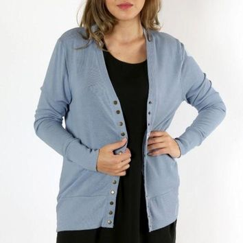 DCCKGE8 Curves - Perfectly Snapped Cardigan