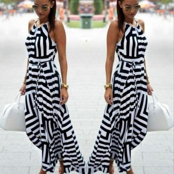 DCCK7BW Printed black and white geometric loose strap dress