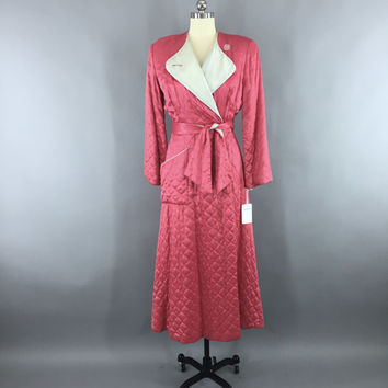 Vintage 1940s Robe / 40s Hostess Coat / TEXTRON Rayon / Mandarin Red Pink / Quilted Robe / Vintage Loungewear / Size Small to Medium S M