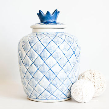 Vintage William Sonoma Pineapple Chinese Ginger Jar, Chinoiserie Blue and White Ceramic Container Jar Storage Container