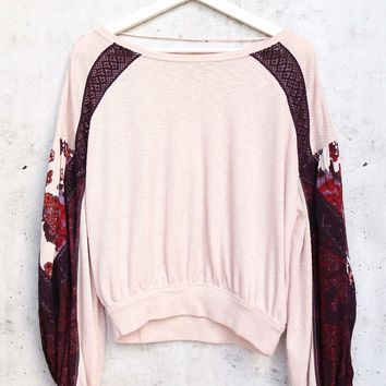 Free People Casual Clash Thermal Top With Contrasting Billowed Sleeves - Rose