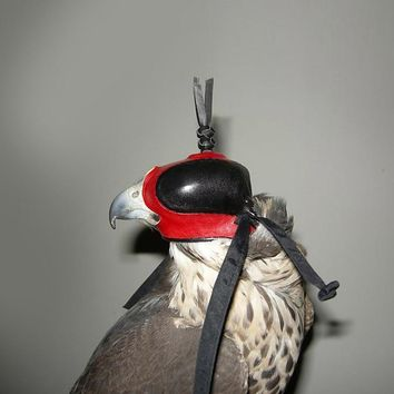 Falconry Hound Arabic Eagle Hat Merlin Eurasian Kestrel Saker Falcon Falco Peregrinus Genuine Leather Comfortable Soft Eyeshades