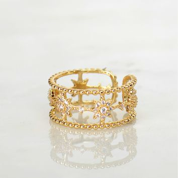 Detailed Star Ring Gold