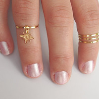 4 Above the Knuckle Rings - Plain Band Knuckle Rings, gold thin shiny rings with a dangling star sign - set of 4 midi rings, unique gift