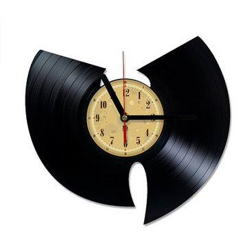 Vinyl Clock - Wu-Tang Clan. Upcycling product made from vinyl records. Cool gift ideas for music lovers.