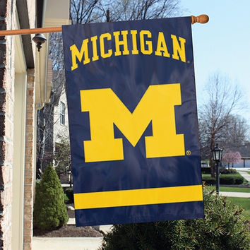 NCAA Team APPLIQUE BANNER FLAG
