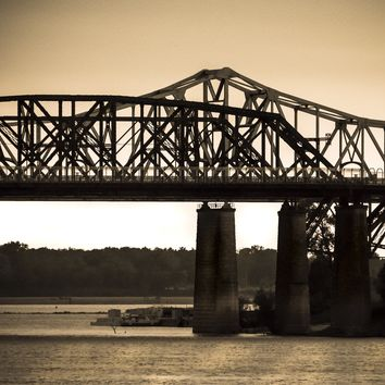 One Sided : Sepia Bridge Art In Memphis, Tennessee
