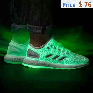 sneaker ties Glow-in-the-dark details on the Sneakerboy x Wish x Adidas Pure Boost EUR 40-45 off-white shoes