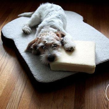 The Original Toasty Pet Bed   Toast Shaped Dog Or Cat Bed