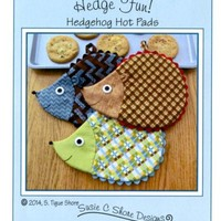 Hedge Fun! Hedgehog Hot Pads pattern (ST-1421) - Suzie C Shore Designs