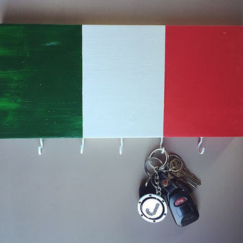 Italy Flag Hand Painted Wooden Wall Key Chain Holder; Italian Flag; Custom Home Decor; Wood Art; Wall Art; Italian Pride Gift; Italian Home