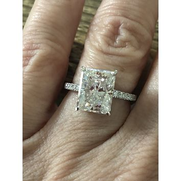 4CT Emerald Cut Moissanite Diamond Solitaire Engagement Ring