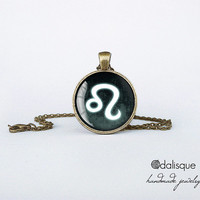 Leo sign pendant European Zodiac necklace the lion fire sign gift jewelry bronze for him for her jewellery key ring