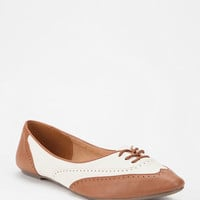 Urban Outfitters - Cooperative Two-Tone Brogue Skimmer