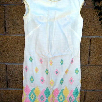 Nancy Greer Shift Dress New York Embroidered Diamond Pattern Pastel Colors Mod Retro ILGWU