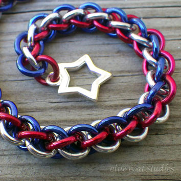 Patriotic chain maille bracelet in red, silver and blue aluminum; patriotic chainmaille bracelet; chainmaille jewelry; patriotic bracelet