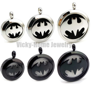 Round  Silver Batman (30mm) Aromatherapy / Essential Oils Stainless Steel Perfume Diffuser Locket Necklace