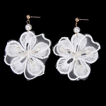 ES521 Simulated Pearls Women Dangle Drop Earrings Lace Hollow Flow Earing Flower Fashion Jewelry Brincos Female European