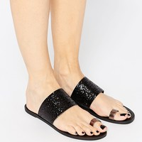 Pieces Toe Thong Flat Sandals